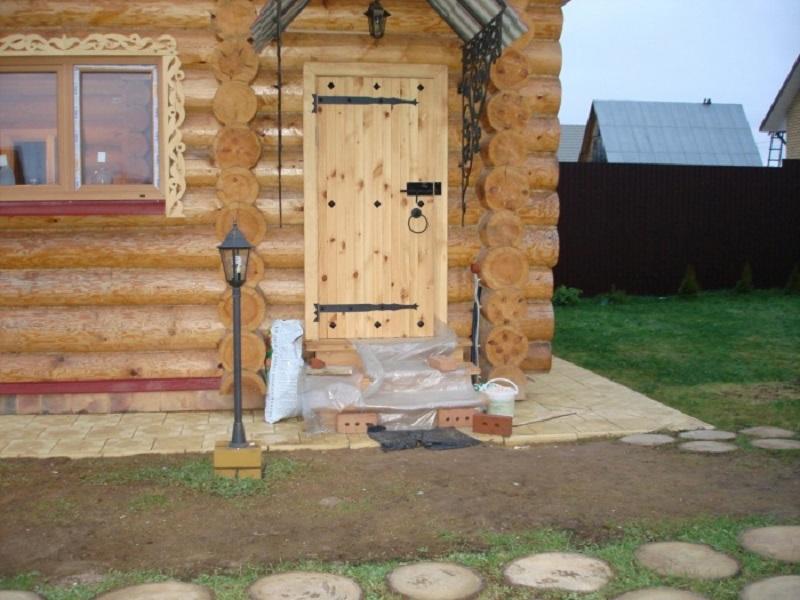 Утепление входной двери дачного дома своими руками