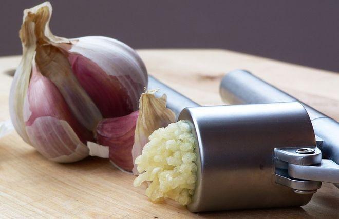 Чесночная настойка для обработки картошки