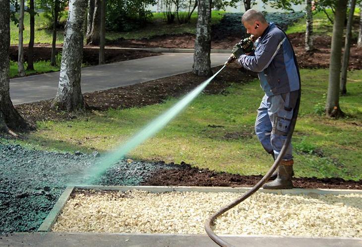 Использование гидропосева газонной травы