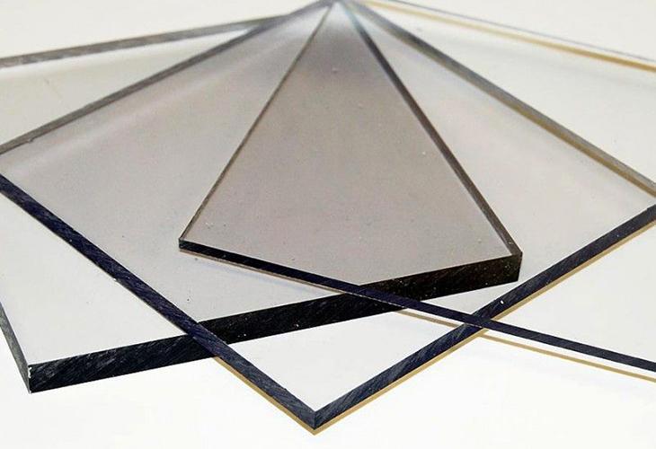 Монолитный поликарбонатовый лист