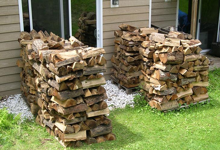 Укладка дров клетью