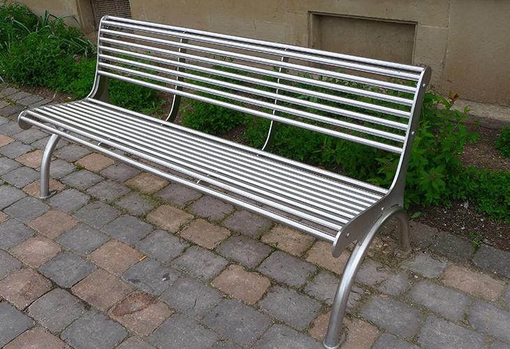 Скамейка из стали