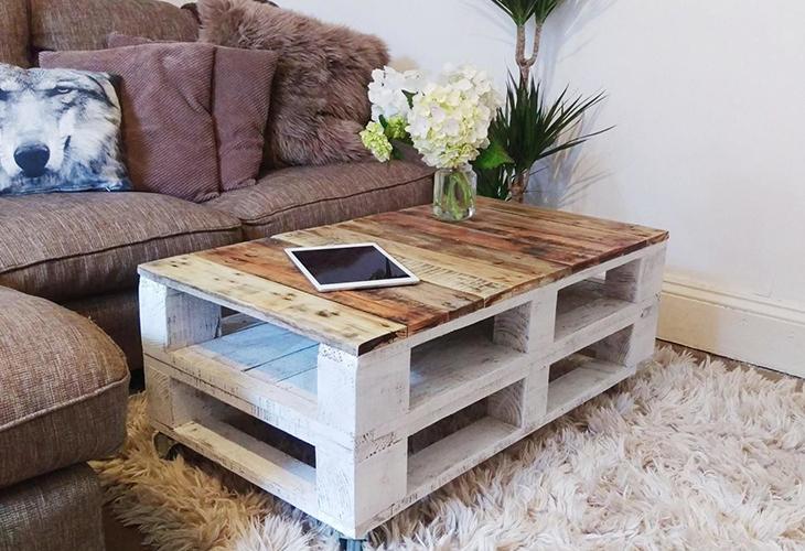 Журнальный столик из деревянных поддонов